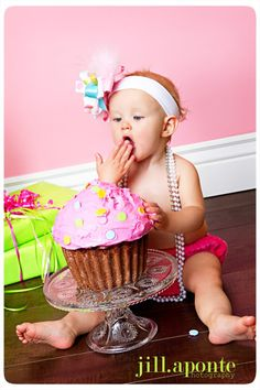 since i have one first birthday girl left - i need to remember this idea