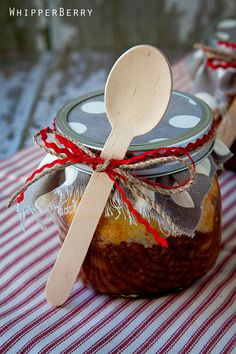 Chili and Cornbread in a Jar!! How cute for a picnic or even camping!! Love the Idea. Now I gotta find me some wide mouth masons and get busy! lol