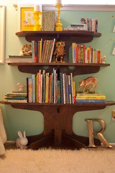 Adore this tree bookshelf!