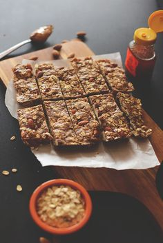 Healthy Easy Granola Bars | JUST FIVE INGREDIENTS-- The base for these bars is dates – the natural sweetener supah powah. Then we add almonds, oats, peanut butter and honey (or maple syrup) and mix it all together!