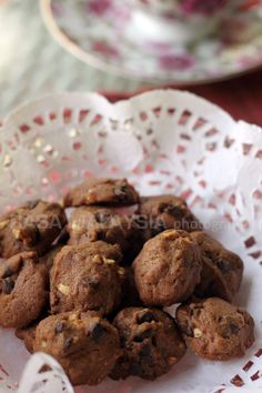 Crunchy Chocolate Chip Cookies, just like Mrs. Fields!