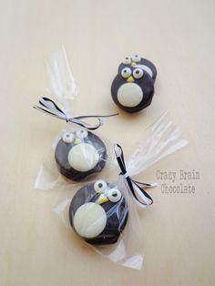 Chocolate Dipped Oreo Penguins