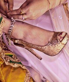 Bride's adornments