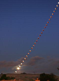 Lunar-eclipse-2004