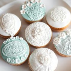 Lovely lace cupcakes by Patricia's Cake Creations  ||  #Lace Decor & design #wedding