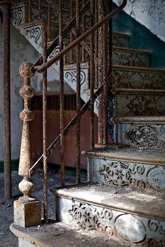 patina, stairway, metal, stair risers, old houses