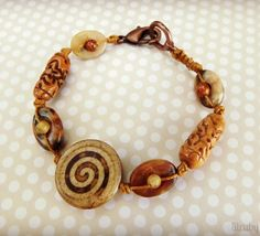 Knotted bracelet in natural colors