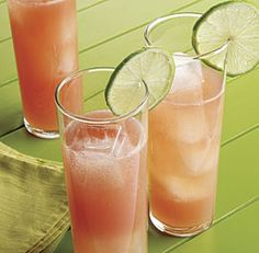 Watermelon mules- 3 oz watermelon juice, 2 oz vodka, 1 oz lime juice, 1.5 ginger beer, lime slice for garnish. #lime #watermelon #cocktail #mixer #ginger #beer #drink #alcohol #vodka