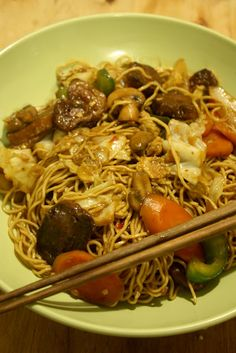 I want what she's having...: Chow mein noodle stir fry with Seitan