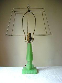 Vintage Art Deco Jadeite Lamp