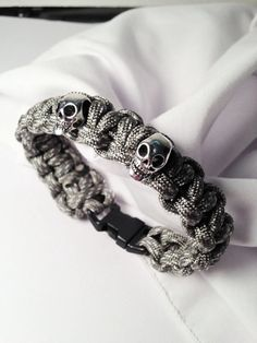 Paracord Skulls Bracelet by TheBeadedPathway on Etsy...perfect for Gasparilla!!