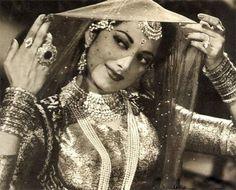Suraiya classic look