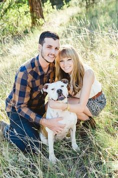 Engagement photo ideas - bring in your pet #dog #pets #photoideas