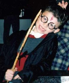 How to make an easy Harry Potter costume. #costumes #harrypotter #diy