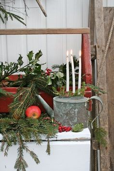 vibek design, vintage christmas, galvan water, christmas decorations, winter holidays, watering cans, country christmas, candl, front porches