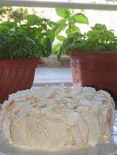 Pasteles de colores: Postre chaja de merengue y chantilly tipico del uruguay