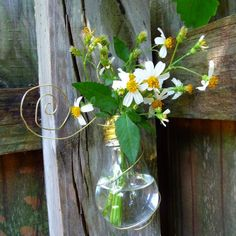 Recycle Light Bulb into Vase - Craft Organic