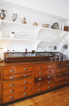 house tours, open shelves, charact collect, cabinet, display cases, vintage interiors, display shelves, ian charact, kitchen drawers