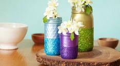 Decorating with mason jars: easy glittered mason jars