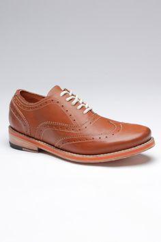Wing Tip Natural Milano Shoe.