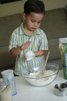 No Knead Bread: so easy a 4-yr old can make it! | Steamy Kitchen Recipes