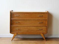 je veux une armoire ou une commode on pinterest. Black Bedroom Furniture Sets. Home Design Ideas