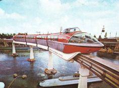 VINTAGE DISNEY: Mark II gliding above Submarine Voyage