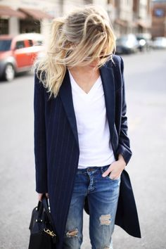 boyfriend jeans, messy hair, blazer, white shirts, minimal style, outfit, street styles, ray ban sunglasses, coat