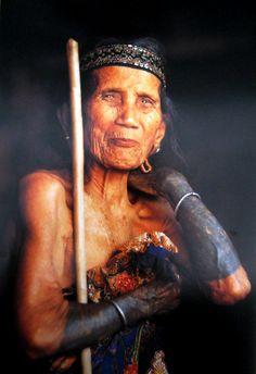 Dayak Kayan women with tattoo, Borneo. Indonesia