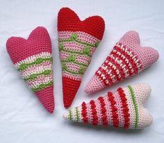 Crochet vintage hearts