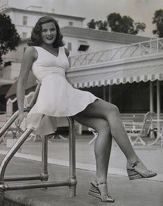 Gene Tierney - c.1943. Hollywood glamour