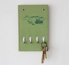 decor, vintage books, recycled books, upcycl book, keyhold, diy book, key holder, homes, old books