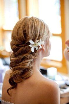 Grace Ormonde Wedding Style  Platinum Member; Merrily Wed, Tahoe City, CA  Photographed by Catherine Hall Studios