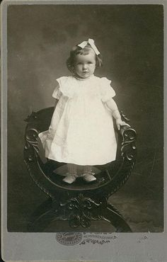 antique photo of little girl