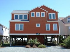 Holden Beach, NC - Beach Daze 639 a 4 Bedroom Oceanfront Rental House in Holden Beach, part of the Brunswick Beaches of North Carolina. Includes Private Pool, Hot Tub, Hi-Speed Internet