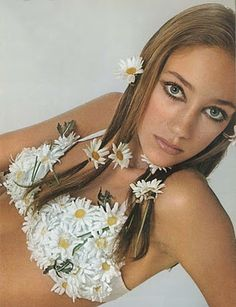 vintag, bob richardson, jewelry necklaces, bobs, vogue paris, 1960s fashion, daisies, flower power, marisa berenson