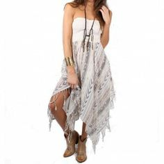 Easy to wear - perfect for festvials.  Billabong Good Love Dress