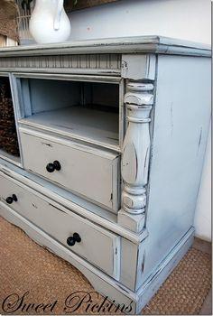 Good blog for distressing furniture