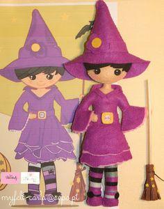 Muñeca de brujita de fieltro - Felt cute witch doll.
