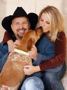 Garth Brooks and Trisha Yearwood (and the family dog)