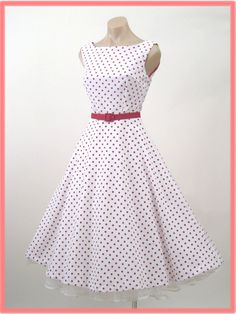retro dress. Pinned by Libby