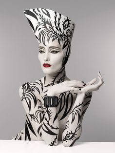 http://www.patriziodirenzo.com/ future fashion, modern art, design concepts, bodi art, serge lutens, halloween makeup, makeup art, black white, paint