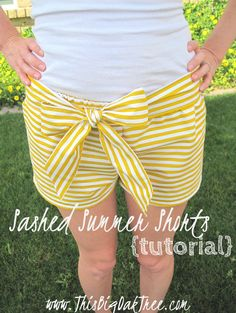 This Big Oak Tree: One Yard Summer Shorts {tutorial}  It's so hard to find shorts that are the right length. Maybe I should try making them.