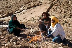 Our tours truly introduce you to Moroccan culture. Here a moment in time with nomads.