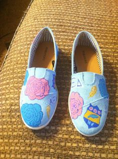 MUST HAVE!! AXiD lily print toms thank you etsy