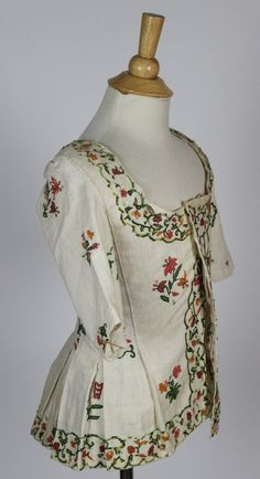 Crewel Brightly Embroidered Muslin Caraco from the Late 18th Century