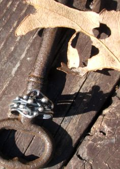 fine silver ring by Tammy Vialte