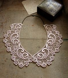 lace collar ASTRID peter pan collar  detachable collar by whiteowl