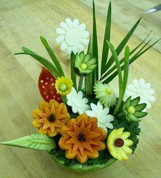 veg and fruit art | تصویر: fruit-and-veggie-carving-flowers.jpg]