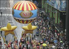 macys thanksgiving day parade balloons | balloon floats down Broadway during the Macy's Thanksgiving Day parade ...